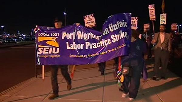 Port of Oakland workers start 24-hour strike