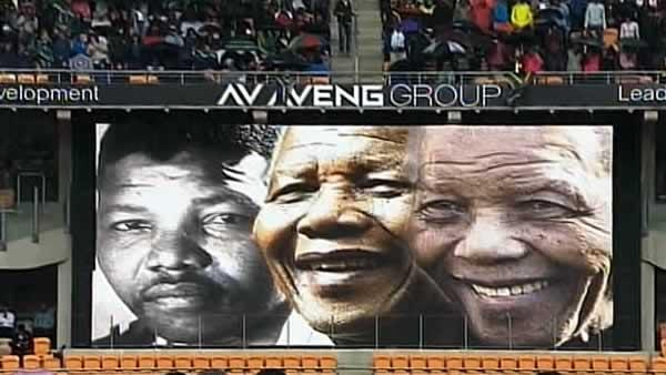 World leaders, South Africans honor Mandela