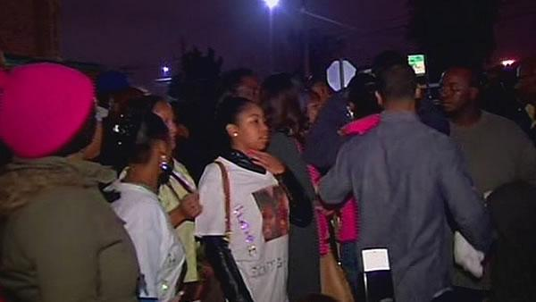 Hundreds attend vigil for girl on life support