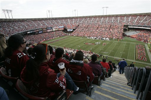 Fans watch the San Francisco 49ers play the Oakland Raiders at the Candlestick Park during NFL preseason football game in San Francisco, Calif., Saturday, Aug. 22, 2009. <span class=meta>(AP Photo&#47;Marcio Sanchez)</span>
