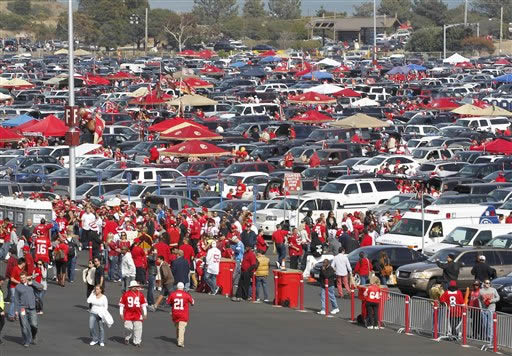 "<div class=""meta ""><span class=""caption-text "">Fans make their way into Candlestick Park before an NFL football game between the San Francisco 49ers and the Detroit Lions in San Francisco, Sunday, Sept. 16, 2012. (AP Photo/Tony Avelar)</span></div>"