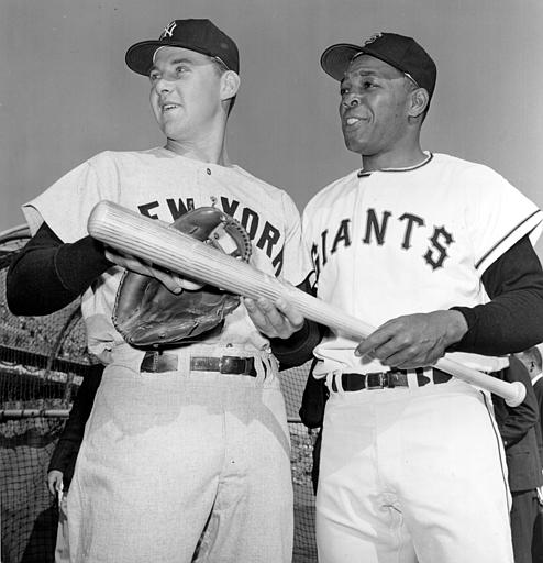 Tom Tresh, left, of the New York Yankees, and Willie Mays, of the San Francisco Giants, talk before first game of the World Series in San Francisco&#39;s Candlestick Park, Ca., Oct. 4, 1962.    <span class=meta>(AP Photo)</span>