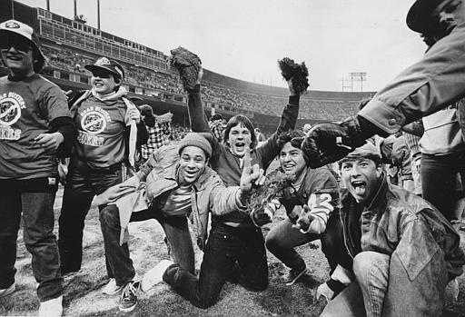 "<div class=""meta image-caption""><div class=""origin-logo origin-image ""><span></span></div><span class=""caption-text"">Young San Francisco 49ers fans pull up handfuls of grass and dirt from the Candlestick Park playing field after their team defeated the Chicago Bears, 23-0, to capture the championship of the National Football Conference in San Francisco, Ca., Sunday, Jan. 6, 1985.  (AP Photo)</span></div>"