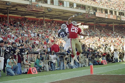 San Francisco 49ers Darryl Pollard &#40;26&#41; breaks up touchdown pass to New York Giants Stephan Baker &#40;85&#41; in the end zone during second quarter of NFC championship game at Candlestick Park in San Francisco, Sunday, Jan. 20, 1991. Ball comes down between the two. New York won, 15-13.  <span class=meta>(AP Photo&#47;Eric Risberg)</span>