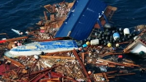 Debris from Japanese tsunami headed for Calif. coast