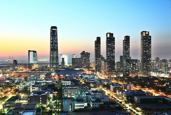 "<div class=""meta ""><span class=""caption-text "">These photos are of the new city of Songdo, South Korea. Silicon Valley tech companies are helping to connect the people there.  (Photo courtesy Gale International.)</span></div>"