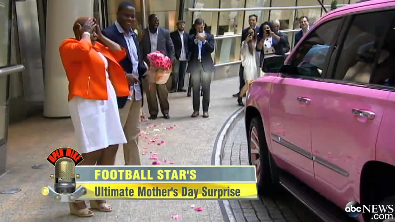 NFL draftee Teddy Bridgewater kept a promise made over a decade ago -- surprising his mom with a pink Cadillac Escalade with pink rims.