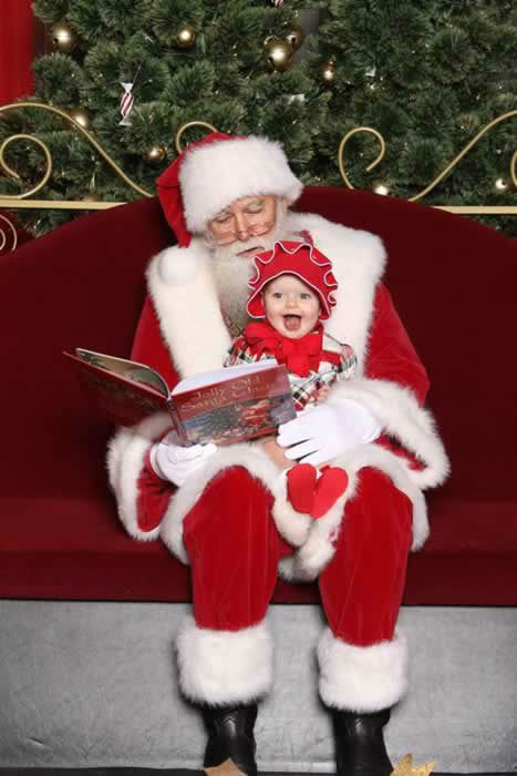 A cute photo with Santa! Post your holiday photos using #abc7holiday! (Photo submitted by Amy H. via Facebook)