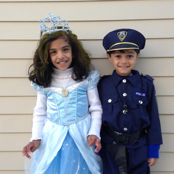 Our very own Meteorologist Sandhya Patel&#39;s 4-year-old twins get into the Halloween spirit! <span class=meta>(KGO)</span>