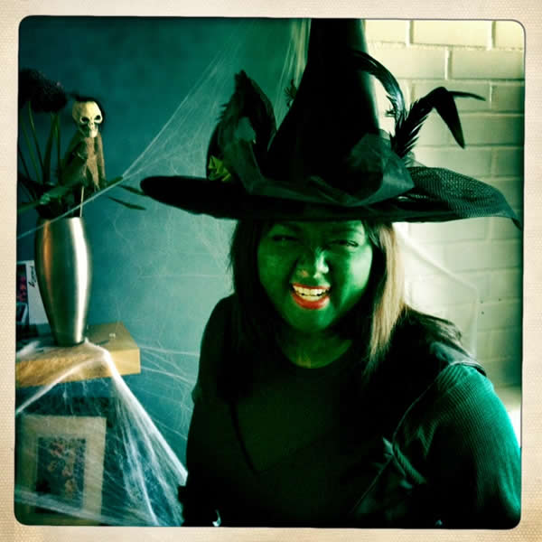 "<div class=""meta ""><span class=""caption-text "">WITCH</span></div>"