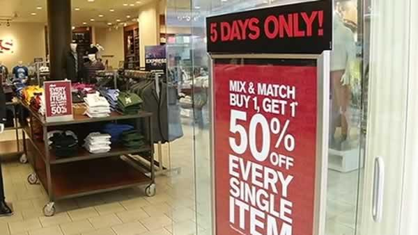 Shoppers head to stores looking for Labor Day deals