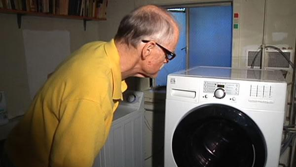 Man has problem with small laundry loads