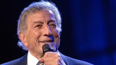 FILE -- Tony Bennett performs at the 106.7 Lite FM One Night With Lite concert, Tuesday, Sept. 26, 2006 in New York. (AP Photo/Henny Ray Abrams)