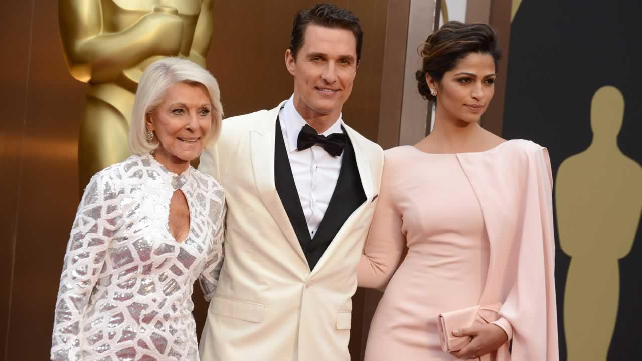 From left, Mary Kathlene McCabe, Matthew McConaughey and Camila Alves arrive at the Oscars.