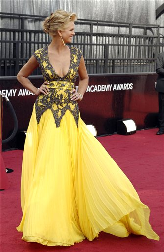 "<div class=""meta ""><span class=""caption-text "">Nancy O'Dell arrives before the 84th Academy Awards on Sunday, Feb. 26, 2012, in the Hollywood section of Los Angeles. (AP Photo/Matt Sayles)</span></div>"