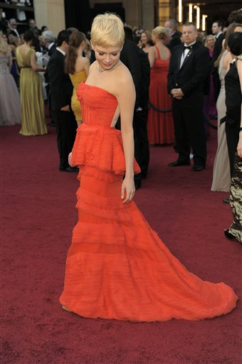 Michelle Williams arrives before the 84th Academy Awards on Sunday, Feb. 26, 2012, in the Hollywood section of Los Angeles. <span class=meta>(AP Photo&#47;Chris Pizzello)</span>