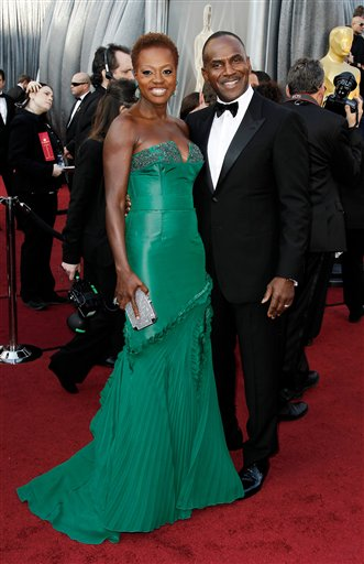 "<div class=""meta ""><span class=""caption-text "">Viola Davis, left, and Julius Tennon arrive before the 84th Academy Awards on Sunday, Feb. 26, 2012, in the Hollywood section of Los Angeles. (AP Photo/Matt Sayles)</span></div>"