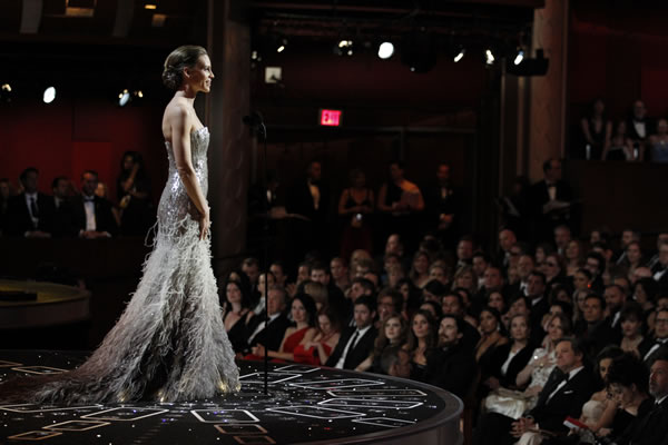 "<div class=""meta ""><span class=""caption-text "">Actress Hilary Swank introduces director Kathryn Bigelow during the 83rd Academy Awards on Sunday, Feb. 27, 2011, in the Hollywood section of Los Angeles.  </span></div>"
