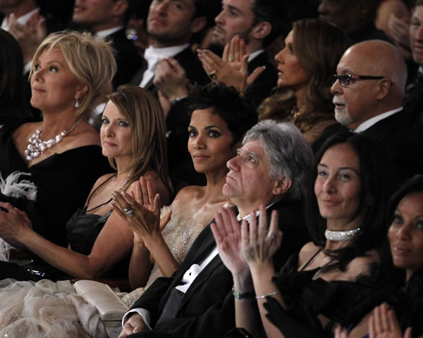 Actress Halle Berry attends the 83rd Academy Awards on Sunday, Feb. 27, 2011, in the Hollywood section of Los Angeles. (AP Photo/Chris Carlson)