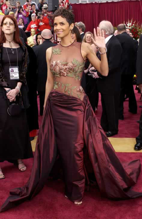Best #4: Halle Berry in Elie Saab at the 2002 Academy Awards. <span class=meta>(AP Photo)</span>
