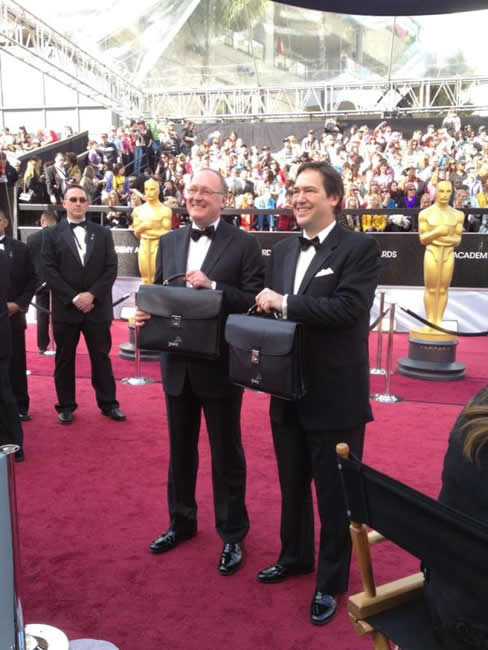 Oscar envelopes on the red carpet of the 84th Academy Awards. <span class=meta>(@7LiveLos)</span>