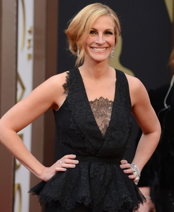 Julia Roberts arrives at the Oscars on Sunday, March 2, 2014, at the Dolby Theatre in Los Angeles. (Photo by Jordan Strauss/Invision/AP)