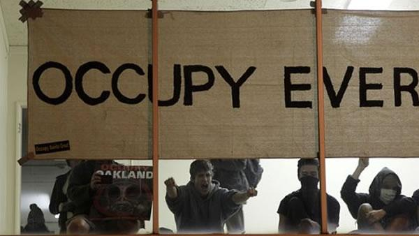 'Occupy Oakland' protesters, police stand off