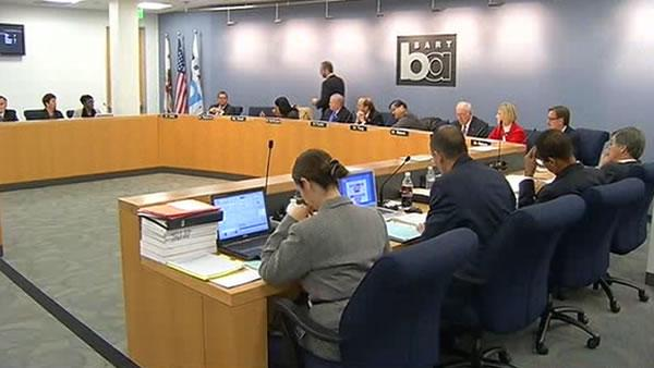 BART board approves cellphone outage policy