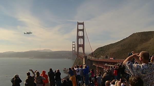Golden Gate fly-over watched by thousands