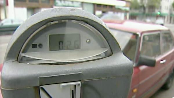 Oakland considers parking meter grace period