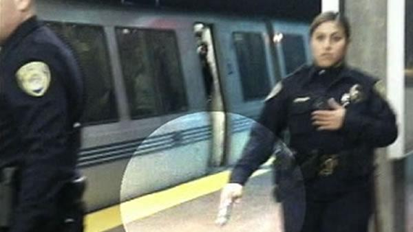 A former BART officer on the platform when Mehserle shot and killed Oscar Grant went before the jury.