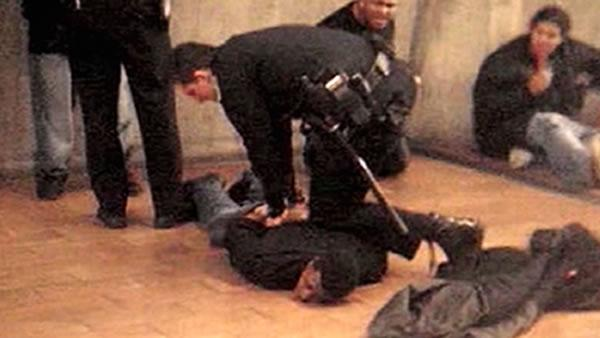 Fruitvale Station Movie Trailer as well Oakland  California together with Lights Camera Hella Action The East Bay On Film 1f4d35ddb045 further 70230164 further Oakland Stars  munity Members Gather Screening Oscar Grant. on oscar s and killed at fruitvale station