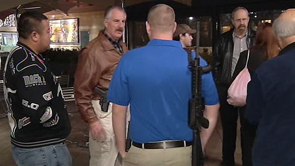 Gun advocates take their weapons to mall