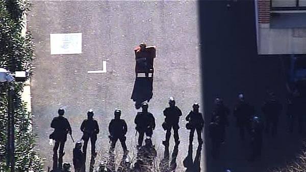 Police make mass arrests at Occupy Oakland protest