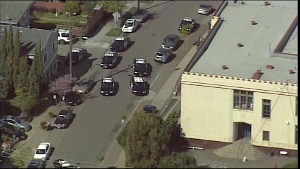 Gunman arrested after school in Oakland evacuated
