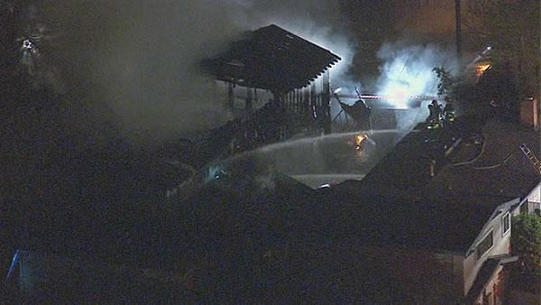 2-alarm fire damages home near San Leandro