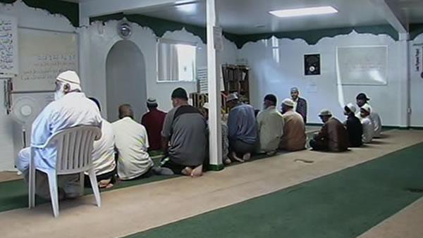 4 teens arrested for hate crimes against mosque