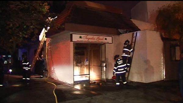 Firefighter injured in blaze at taqueria in San Leandro