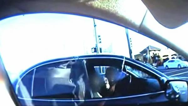Cellphone video leads to chase on Oakland streets