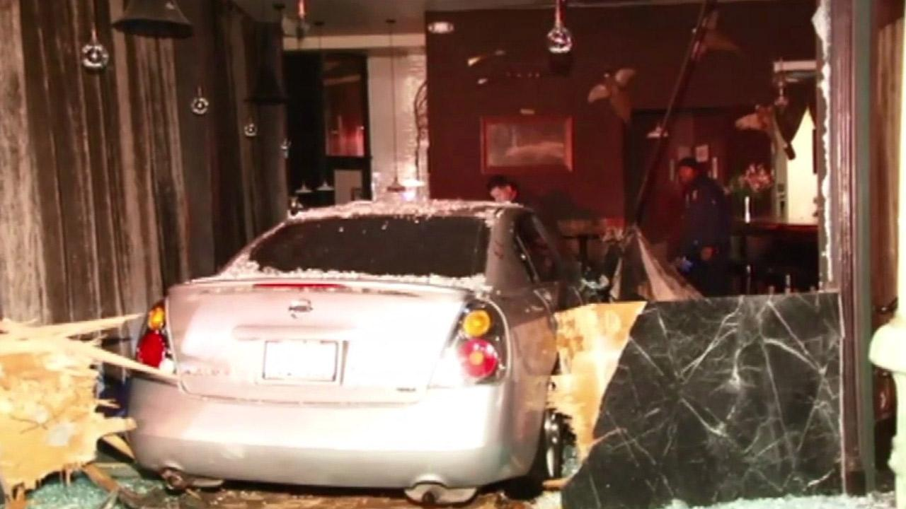 Oakland hit-and-run crash into bar