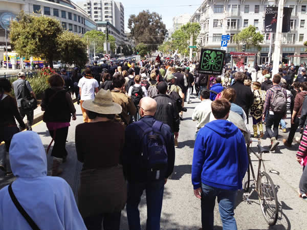 Occupy San Francisco march underway (Cathy Cavey/KGO)