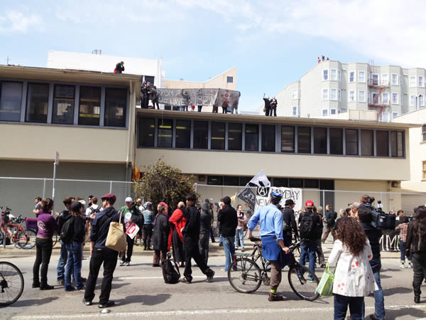 Occupy San Francisco protesters take over a building on Turk and Gough (Cathy Cavey/KGO)