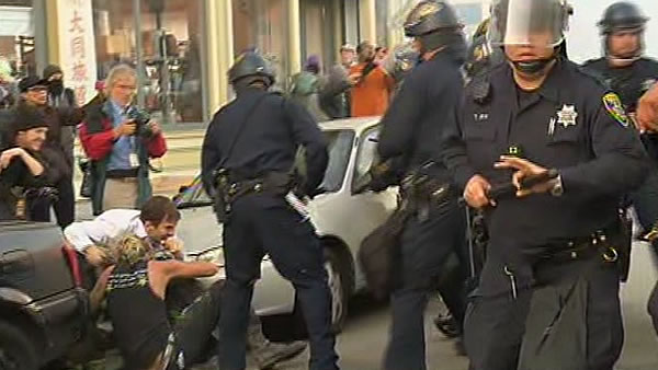 "<div class=""meta ""><span class=""caption-text "">An ""Occupy Oakland"" march began at 6 p.m. Tuesday downtown and continued late into the night. Police used tear gas several times to disperse the crowd. </span></div>"