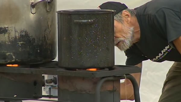 "<div class=""meta ""><span class=""caption-text "">On Monday the city wanted the ""Occupy Oakland"" camp at Frank Ogawa Plaza to remove the stoves they used for cooking to comply with city fire codes. </span></div>"