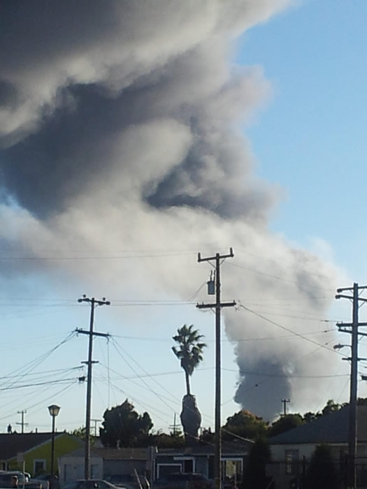 A visible fire and large plumes of smoke could be seen burning at the Chevron refinery in Richmond. (submitted via uReport)