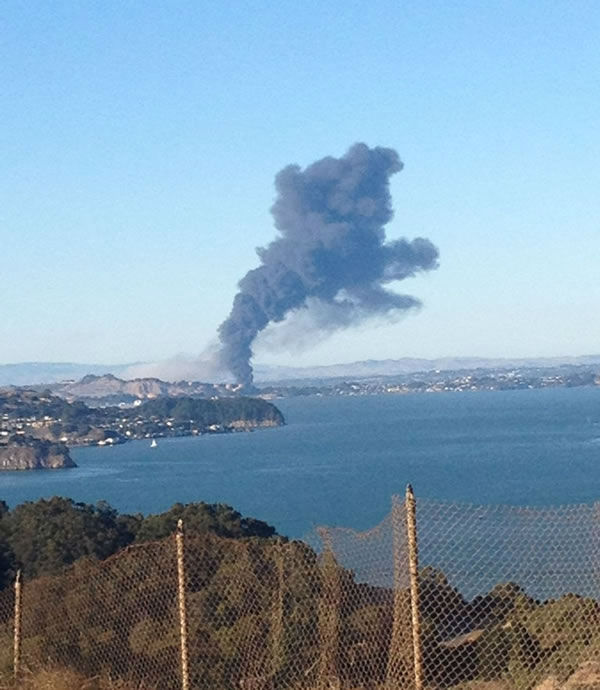 Images of the Chevron refinery fire submitted via Twitter. <span class=meta>(@MattyFernFern&#47;Twitter)</span>