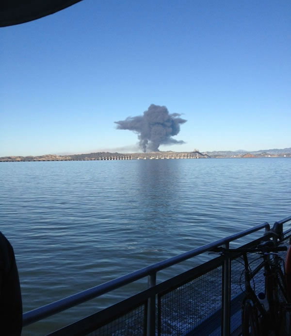 Images of the Chevron refinery fire submitted via Twitter. <span class=meta>(@Sheshopsandshop&#47;Twitter)</span>