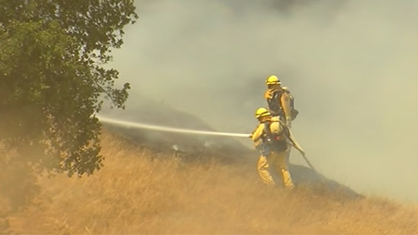 "<div class=""meta ""><span class=""caption-text "">Smoke from a wildfire that crews are battling on the slopes of Mount Diablo was visible from several miles away. (KGO)</span></div>"