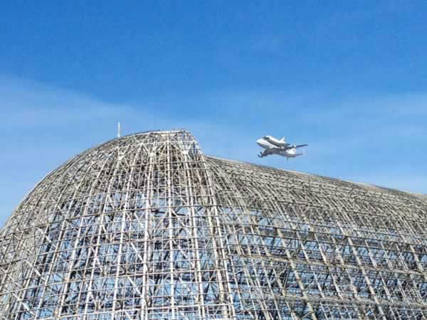 "<div class=""meta ""><span class=""caption-text "">Shuttle flying over Moffett Field at 10:37 am on Sept 21, 2012. (Photo submitted via uReport) </span></div>"