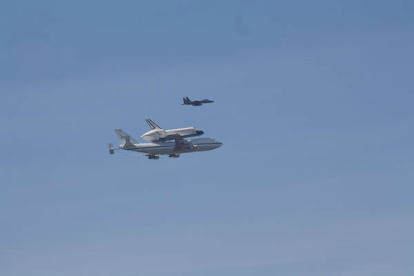 Space shuttle Endeavour made a historic flyover of the Bay Area Friday morning on its way to LA. (Photo submitted by Gloria via uReport)